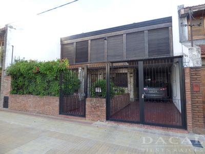 Casa En Venta En La Plata Calle 12 E/ 37 Y 38 Dacal Bienes Raices