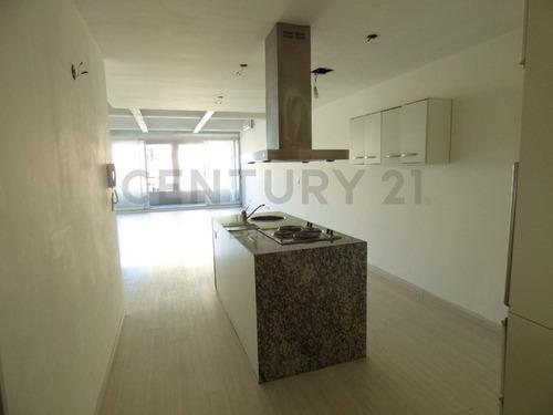 Incréible Departamento De 1 Ambiente Tipo Loft De 70m2 C/cochera - Villa Urquiza