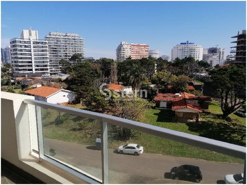 Venta Apartamento 2 Dormitorios, Playa Brava-aidy Grill, Punta Del Este- Ref: 1583