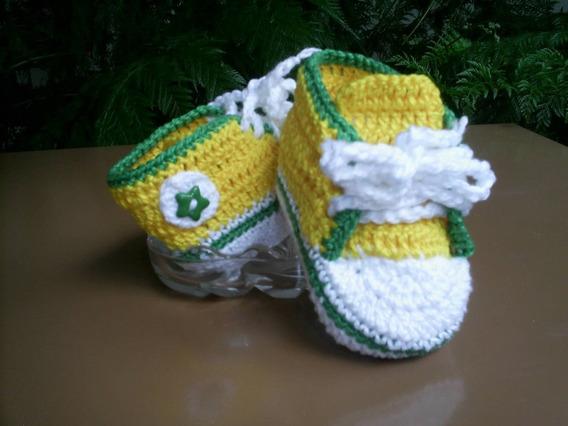 Sapatinho Tênis De Lã Para Bebê Em Crochê Verde E Amarelo