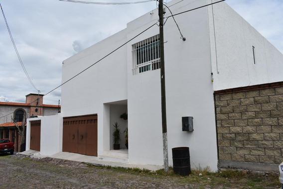 Amplia Casa En Colinas Del Sur, Querétaro, Qro.