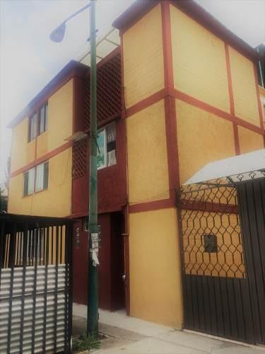 Departamento En Ctm Culhuacán Buena Ubicación !!