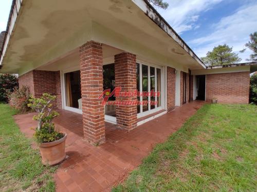 Venta De Casa En Pinares , Punta Del Este 2 Dormitorios - Ref: 6242