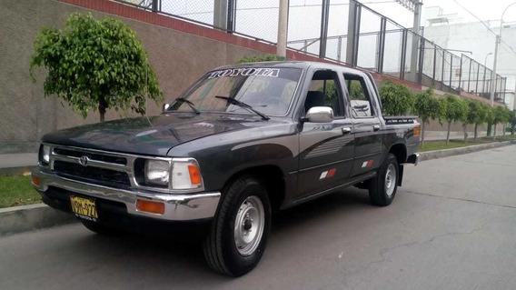 Toyota Hilux 1995, Petrolera, Mecánica, 4x2, Motor 2l