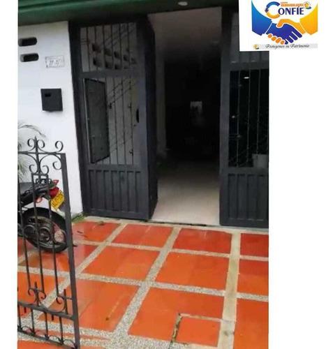 Imagen 1 de 8 de Se Vende O Se Arrienda Casa Para Entidad  Barrio Ricaurte
