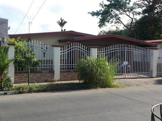 Vendo Casa, Urbanización El Rocío, Las Cumbres 19-5540**gg**