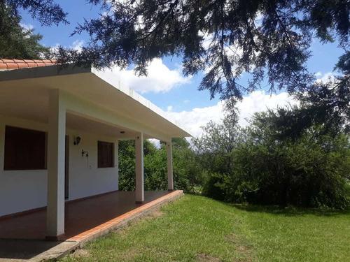 Casa En Venta Con Parque En Calamuchita. 2 Dormitorios