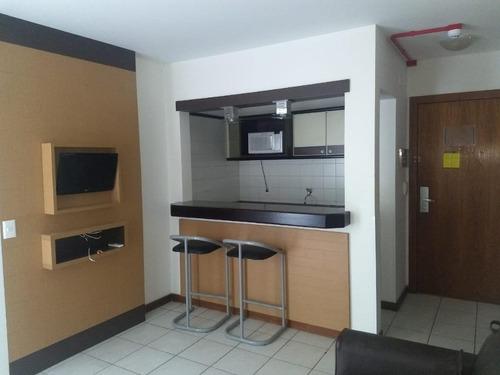 Imagem 1 de 18 de Apartamento Com 1 Dormitório No Centro De Florianópolis - Ap5615