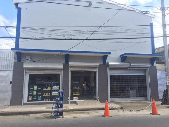 Local Comercial En Villa Consuelo Con 860 Mts2