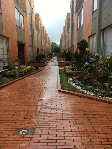 Casas En Arriendo La Alameda 638-2296