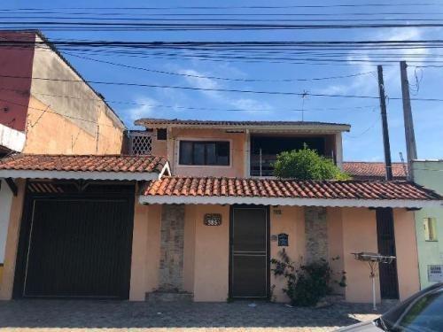 Casa No Centro De Peruíbe/sp Lado Praia! 4 Quartos, Quintal!