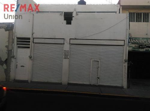 Casa En Venta En Zona Centro, Incluye Locales Comerciales