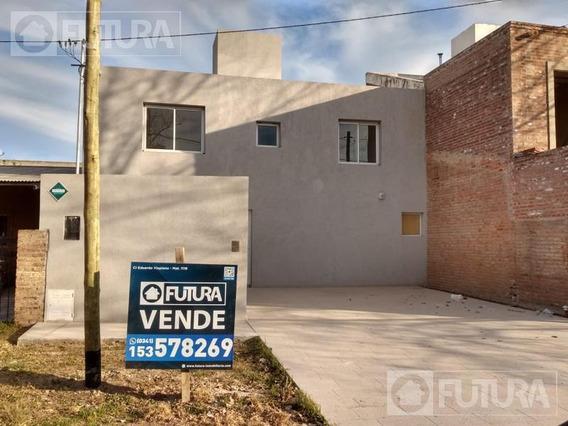 Casa En Venta Funes Dos Dormitorios - Sarmiento 275