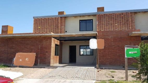 Duplex De Tres Dormitorios En Venta, Con Seguridad, Docta, Córdoba