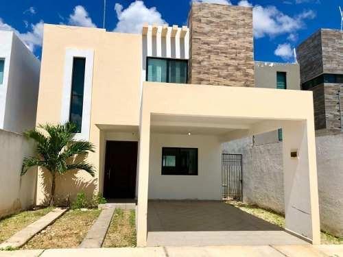 Casa Equipada En Venta, Frac. Real Montejo Mérida, Incluye Membresía Al Club.