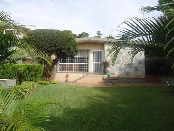 Casa En Venta En Caracas Urbanización Prados Del Este Rent A House Tubieninmuebles Mls 20-21949