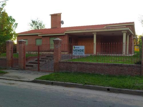 V69- Casa De 3 Dormitorios. Mina Clavero.