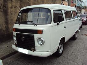 Volkswagen Kombi 1.4 Lotação Total Flex - 2011 - 12 Lugares