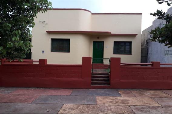 Casa En Venta Sobre Avenida - San Ignacio