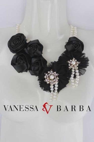 Collar Floral Negro Tipo Frida Flores Tela Y Perla Art