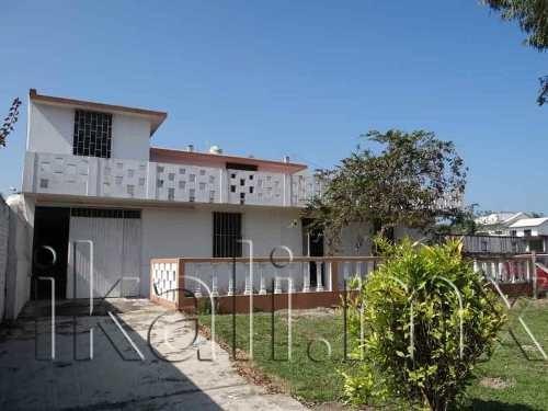 Casa Sola En Renta La Calzada
