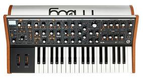 Sintetizador Moog Subsequent 37