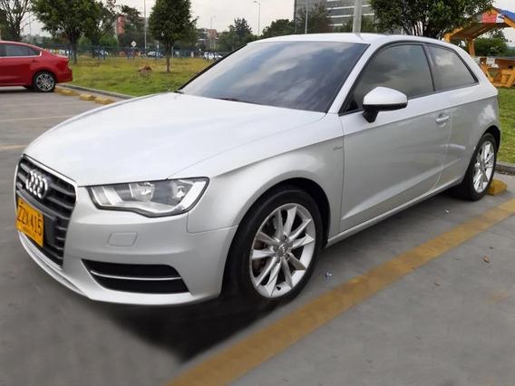 Audi A3 Attraction 1.2 Automático Biturbo S-line