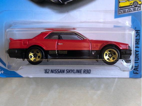 Hot Wheels 82 Nissan Skyline R30 - Vermelho
