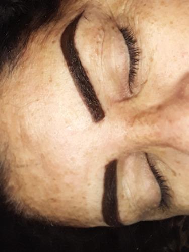 Imagem 1 de 2 de Alongamento De Cilios Micropigmentação
