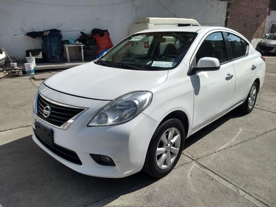 Nissan Versa Advance 2012