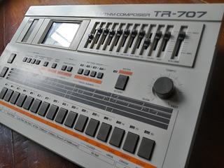 Roland Tr-707 Maquina De Ritmos Drum Machine Vintage