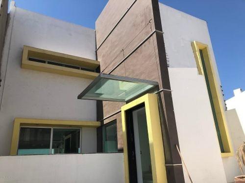 Casa En Venta En Milenio 3era Seccion, Queretaro, Rah-mx-20-739