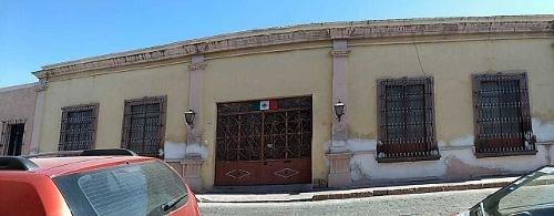 Renta De Casona En Una De Las Principales Avenidas Del Centro Histórico De Querétaro