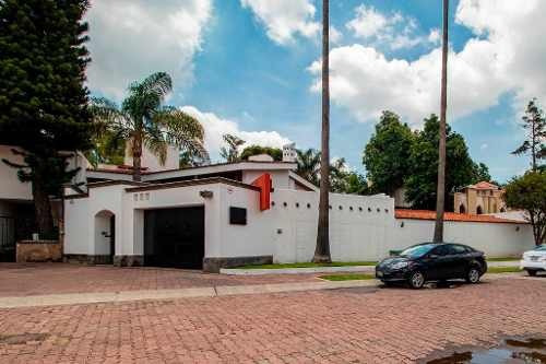Casa En Venta En Zapopan, Colonia Bugambilias