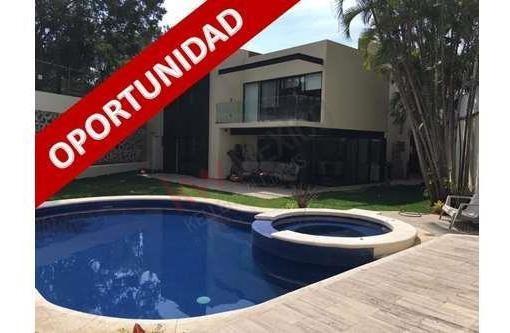 Casa En Venta Recién Remodelada E Inigualable Ubicación!!!