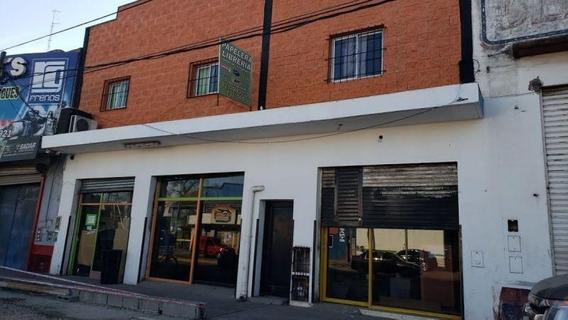 Local | Av. Pres. Arturo U. Illia Al 6700