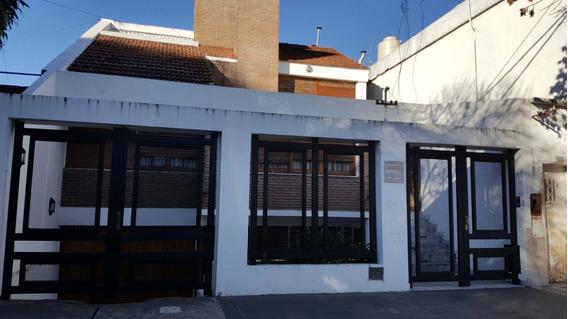 Preciosa Casa 3/4 Dormitoiros. Oportunidad!