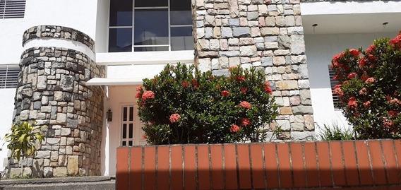 En Alquiler Casa-quinta En Altos De Guataparo