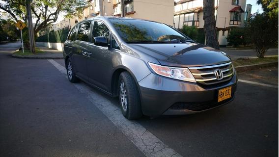 Camioneta Honda Oddysey 2013, 8 Puestos