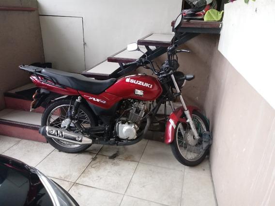 Vendo Motocicleta Marca Suzuki Año 2015