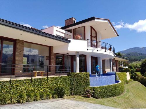 Venta Casa Campestre Conjunto Cerros Alhambra, Manizales Cod 3736917