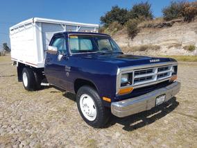 Camión Dodge D-350 Redilas Nacional, Mod. 1989