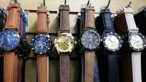 Kit Com 10 Relógios Masculino Pulseira De Couro Atacado Lo