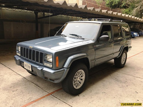 Jeep Cherokee Classic Aut