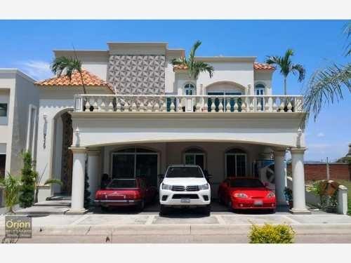 Casa En Venta En Fracc Marina Real