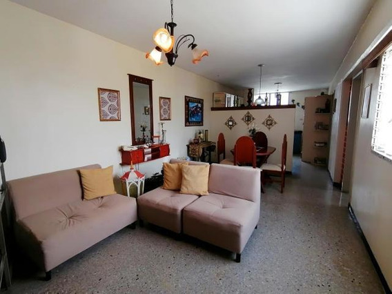 Apartamento En Venta Zona Oeste Barquisimeto 20-22015 Jg