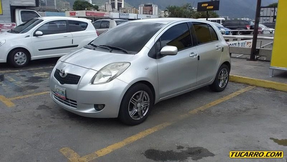 Toyota Yaris Sport-sincronico