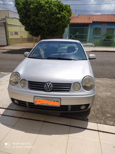 Volkswagen Polo Sedan 1.6 Total Flex 4p 2005