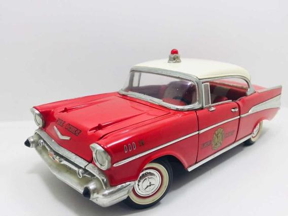 Miniatura Chevrolet Bel Air 57 Fire Chief Road Legends 1/18