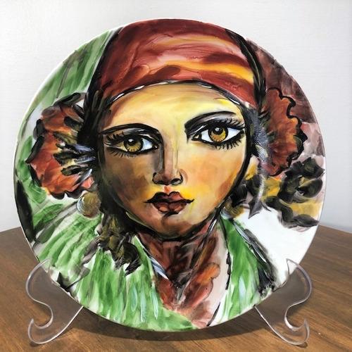 Imagem 1 de 4 de Prato Decorativo Pintado A Mão Mulher P56